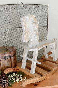 See the transformation of a thrift store rocking horse using just Fusion Mineral Paint.