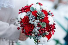 53 Ideas for wedding winter bouquet red Red Bouquet Wedding, Bride Bouquets, Red Wedding, Wedding Colors, Rustic Wedding, Wedding Flowers, Winter Bouquet, Winter Bride, Christmas Flowers