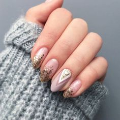Błyszczące ombre z elementami geometrii 😍💅❤ Zdjęcie ukradzione od @blanchiess 💕 Beauty Tips For Teens, Beauty Tips For Face, Best Beauty Tips, Diy Beauty, Beauty Hacks, Wow Nails, Pink Nails, Bride Nails, Wedding Nails