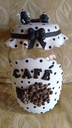 kit de potes de mantimentos decorados com biscuit. A cor fica a critério do cliente.