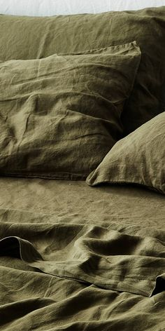 Enjoy earthy bold tones with stunning Olive Ivy. Shop our beautiful range of pure French linen sheet sets available in King, Queen, Double, King Single and Single sizes and enjoy the widest range of linen colours online. Olive Green Bedrooms, Bedroom Green, Bedroom Decor, Olive Bedroom, Blue Bedrooms, Linen Sheets, Linen Bedding, Bed Linens, Bedding Sets