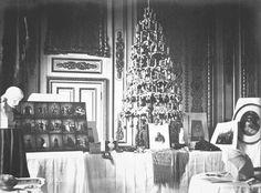 Ernst Becker, Queen Victoria's Christmas tree at   Windsor Castle, 24 December 1857.  [Royal Collection (c) 2011, Her Majesty Queen Elizabeth II]