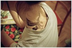 Creativity in the Eagle Tattoo Designs: Simple EAGLE TATTOO DESIGNS For Girl On Neck ~ Tattoo Design Inspiration