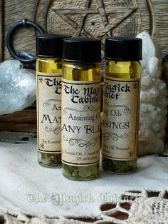 Many Blessings Oil formally known as Prosperity oil. Use to anoint High John Roots, lodestones and coins.