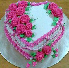 Pretty Cakes, Cute Cakes, Beautiful Cakes, Creative Cake Decorating, Birthday Cake Decorating, Wedding Cake Boards, Cake Writing, Birthday Cake With Flowers, Heart Shaped Cakes