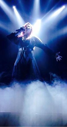 Demi Lovato- Neon Lights Tour