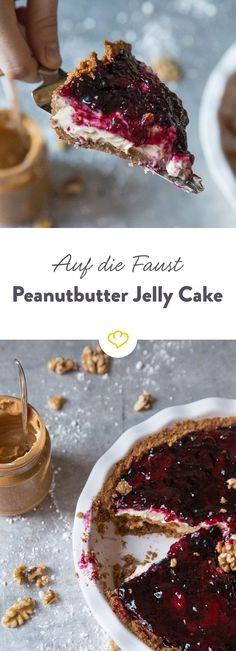 Wenn du Erdnussbutter und Marmelade auf deinem Toast liebst, dann solltest du auf jeden Fall diese unglaubliche Peanutbutter Jelly Tarte probieren.