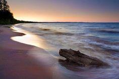 Parc national de la Pointe-Taillon, Lac St-Jean, Québec Acadia National Park Camping, Lac Saint Jean, Voyager Loin, Parc National, Quebec City, Parcs, Hotel Deals, Beach Pictures, Travel Inspiration