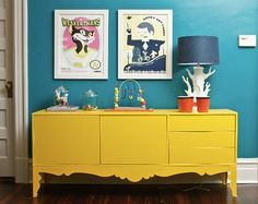yellow dresser and teal walls- trying to find a pic close to my colors! Handmade Home, Teal Rooms, Teal Walls, Murs Turquoise, Yellow Turquoise, Yellow Dresser, Colored Dresser, Deco Buffet, Yellow Cabinets