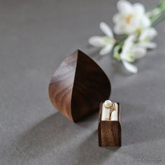 Unique engagement ring box - proposal box - flower bud shape wood ring box by Woodstorming Diamond Shaped Engagement Ring, Elegant Engagement Rings, Engagement Ring Shapes, Engagement Ring Boxes, Oval Engagement, Proposal Ring Box, Wooden Ring Box, Heart Shaped Rings, Ring Displays