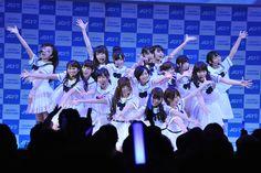 乃木坂46のミニライブの様子。