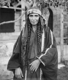 Bedouin_woman_(1898_-_1914).jpg (4730×5610)