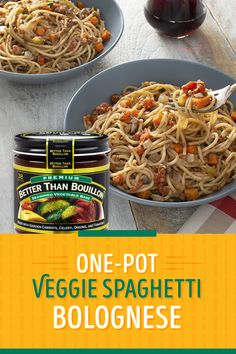 This easy one-pot vegetarian pasta delivers delicious and healthy flavors that the whole family will enjoy. Veggie Spaghetti, Spaghetti Recipes, Pasta Recipes, Chicken Recipes, One Pot Vegetarian, Vegetarian Recipes, Healthy Recipes, Spaghetti Bolognese, Italian Recipes