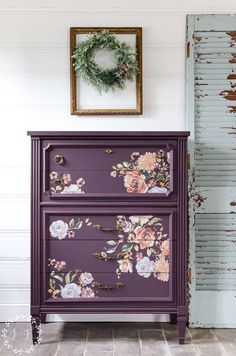 Antique Chest Makeover with Fusion's Twilight Geranium. This time around, I decided to try out one of the new Fusion colors, Twilight Geranium. See tutorial by Lost and Found Decor Diy Furniture Projects, Paint Furniture, Repurposed Furniture, Furniture Decor, Colorful Furniture, Furniture Arrangement, Wallpaper On Furniture, Diy Furniture Repurpose, Bedroom Furniture