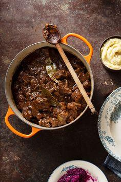 Hachee met Iers rundvlees, heerlijk klassiek hollands stoofpotje | stoven | stew | herfst | recept | stoofpotje | wereldse stoofklassieker | recept | Iers rundvlees | Ierland | irishbeef.nl
