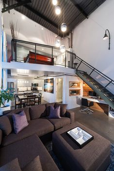 Stunning modern loft in Mount Pleasant, Vancouver property home design house Loft Design, Home Office Design, House Design, Office Designs, Mini Loft, Loft House, House Rooms, Living Rooms, Style At Home