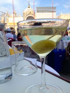 Scenic vineyards in Tuscany and Umbria, gurgling fountains of cold, clear water in Rome and Venice, but there is more to drink than wine and water! Here is the Tour Italy Now guide to drinking in Italy.