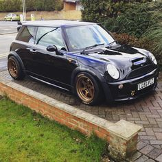 """""""We like the aggressive stance of this mini and even more so, the 230whp to back it up @billrichardson89 #trackobsession #trackcar #mini #coopers #boost…"""""""