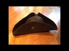 An easy way to make a pirate hat out of a woman's wide brim derby hat. The result is excellent and looks like what a real, quality pirate hat might look like. Pirate Hat Crafts, Diy Pirate Costume For Kids, Homemade Pirate Costumes, Pirate Halloween Costumes, Female Pirate Costume, Easy Halloween, Kids Dress Up Costumes, Boy Costumes, Pirate Hat Template