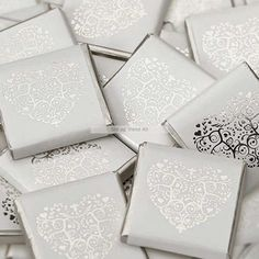 Gold Vintage Heart Neapolitans Pack) gold wedding favours, wedding favours for guests, wedding chocolate favours, gold chocolate hearts Chocolate Favors, Chocolate Hearts, Chocolate Shop, How To Make Chocolate, Silver Wedding Favors, Lilac Wedding, Wedding Favor Bags, Wedding Decor, Sweet Table Wedding