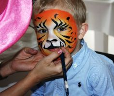 Frk Ansiktsmaler er glad hun fikk komme i nursdage til denne søte tigeren:)