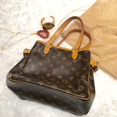 Louis Vuitton Small Monogram Bagtinolles Handbag selling for a friend, she bought it from a high end consignment store a few years back. serial number SD0035 ( made in usa, march 2005) . she never got around to using it / only used a few times , condition is excellent Louis Vuitton Jewelry