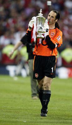 David Seaman Celebrates with FA Cup.