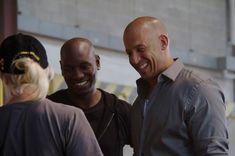 """O filme """"Velozes e Furiosos 7″ teve divulgada novas imagens http://cinemabh.com/imagens/o-filme-velozes-e-furiosos-7-teve-divulgada-novas-imagens"""