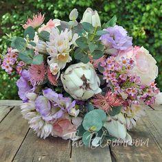 Bouquet wedding / Wedding flowers / Destination wedding / Spring bouquet / Country wedding / Native bouquet / Australian native / Sasha BB