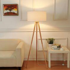 Mehr zum Trend des dreibeinigen Leuchtendesigns im Blog von Lampenwelt.de