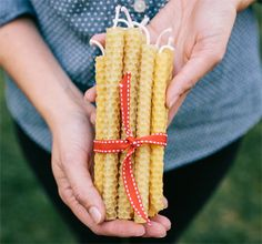 DIY Holiday Gifts Kids Can Make: Beeswax Candles (really!)