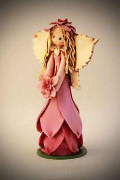 Fairy by fairiesbynuria Polymer Clay Fairy, Polymer Clay Dolls, Polymer Clay Projects, Clay Crafts, Paper Clay, Clay Art, Clay Angel, Biscuit, Clay Fairies