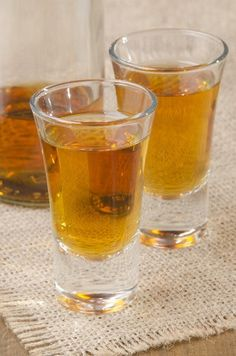rhum papaye ananas Sangria, Cocktails, Drinks, Pint Glass, Homemade, Healthy, Tableware, Arno, Punch