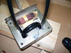 How-to: Build Your Own Spot Welder Welding Classes, Welding Jobs, Welding Projects, Diy Projects, Welding Ideas, Welding Art, Welding Flux, Welding Helmet, Metal Projects