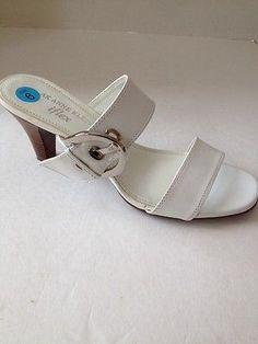 AK Anne Klein iflex Shoes Womens Size 6 White Heels Slip On Berlynn Sandals