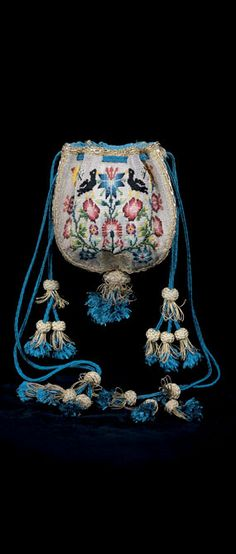 DRAWSTRING PURSE, Probably English, ca. 1700 - there are pulls for opening it and drawstrings for closing it!A woven purse with related motifs is in the collection of the Victoria & Albert Museum, London Vintage Purses, Vintage Bags, Vintage Handbags, Vintage Outfits, Beaded Purses, Beaded Bags, Vintage Accessories, Fashion Accessories, Sweet Bags