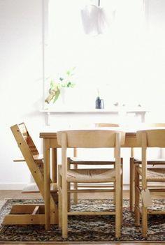 Bran new, but oh so old, seats. Borge Mogensen J39. Danish Design, interior decoration, Scandinavian design, retro, dining area, chairs,