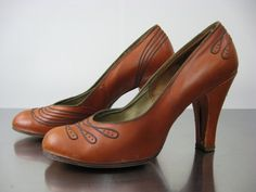 1930's Leather Pumps // 30's Dress Shoes // by WildWoodRoseVintage, $45.00
