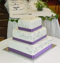 Purple and Silver Wedding Cake - My wedding ideas