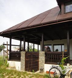 Romanian Traditional Houses – A Heartfelt Feeling Of Beauty - Houz Buzz Economic Efficiency, Work Abroad, Design Case, Traditional House, Homesteading, Fine Dining, Pergola, Outdoor Structures, House Design