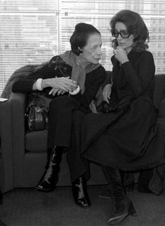 Diana Vreeland and Lee Radziwill at the Halston Spring/Summer 1978 made-to-order show. February 14, 1978