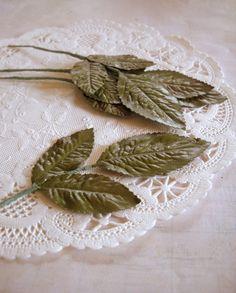 Charming Vintage Bundle of Spring Green Millinery leaves
