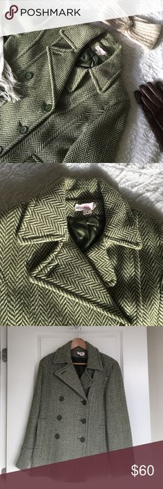 Green J.Lo Wool Peacoat Green and beige J.Lo peacoat with a chevron pattern. Been worn only a handful of times and in near perfect condition. Like new! It has also just been dry cleaned. It's a size 8. Exterior: 80% wool, 20% rayon. Lining: 100% polyester.   🛍 Bundle & Save: 20% off 2+ items!  🙅🏻 No trades / selling off Posh.  ✔️ Reasonable offers always welcome. Jennifer Lopez Jackets & Coats Pea Coats