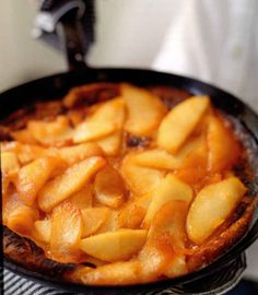 Baked Pancake with Fresh Peaches! Delicious and fresh summer dessert from miraclerecipes.com