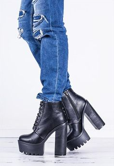 07a0a20d1d32 HOLLY+Chunky+Cleated+Sole+Ankle+Boots+Shoes+-+Black