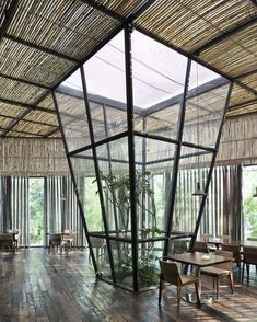 "Gefällt 29.6 Tsd. Mal, 86 Kommentare - D.Signers (@d.signers) auf Instagram: ""Indoor #Plants in the Yaoyue #Restaurant designed by Xiamen Fancy #Design & #Decoration…"""