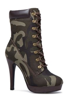 Frauen Schnalle High Heels Stiefeletten Frauen Schnalle High Heels Stiefeletten Stiefeletten Daisy Dress For Less Source by Chunky Shoes To Copy Today Velvet Ankle Boots, Platform Ankle Boots, High Heel Boots, Heeled Boots, Bootie Boots, Shoe Boots, Camo Boots, Camo High Heels, Ankle Booties