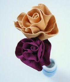 Rose di stoffa da riciclo creativo magliette