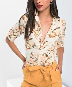 Bring blossoming style to your work-to-weekend wardrobe with this floral collared button-up crafted from breathable fabric for comfortably chic wear you can dress up or down. Floral Button Up, Milan, Collars, Floral Tops, Dress Up, Buttons, High Point, Chic, Green