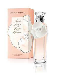 Agua fresca de #rosas blancas de #Adolfo Dominguez. Salida energética y cítrica con un delicioso corazón de flores y un fondo intenso a base de maderas, vainilla y almizcle. Encuentralo en www.elarmariodelosperfumes.es